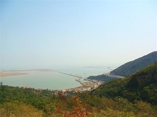 高公岛凤凰湾景区(原凰窝风景区)是江苏省唯一集山海风光于一体的